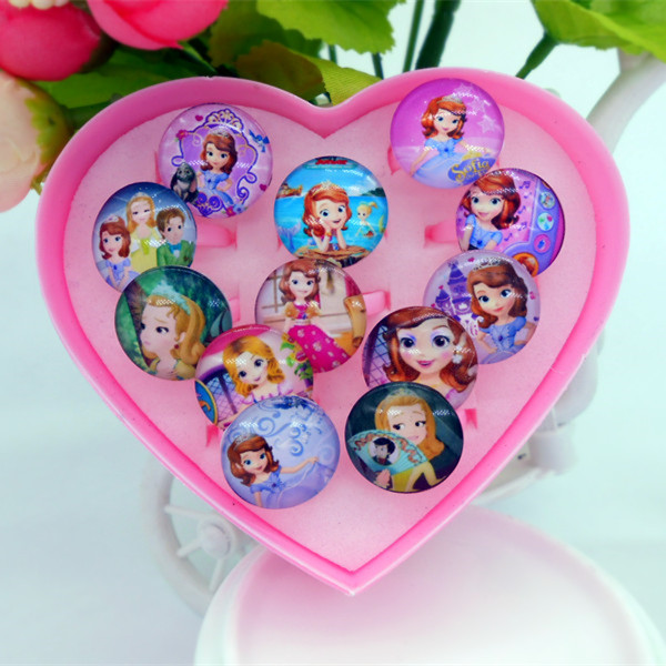 Color classification: Sofia, 12 plastic heart-shaped ring box