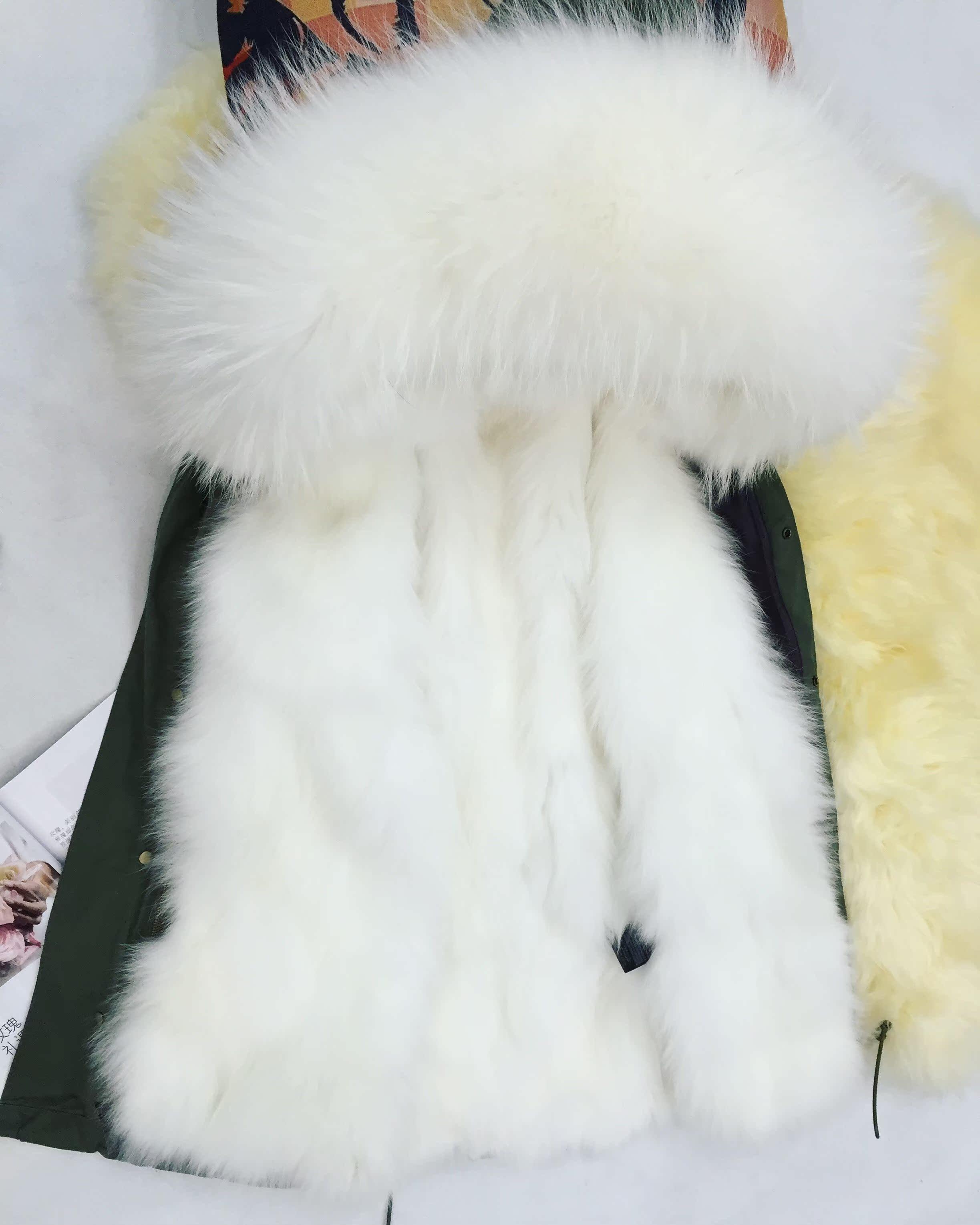 Цвет: Белой шерсти длинные складной кошельки