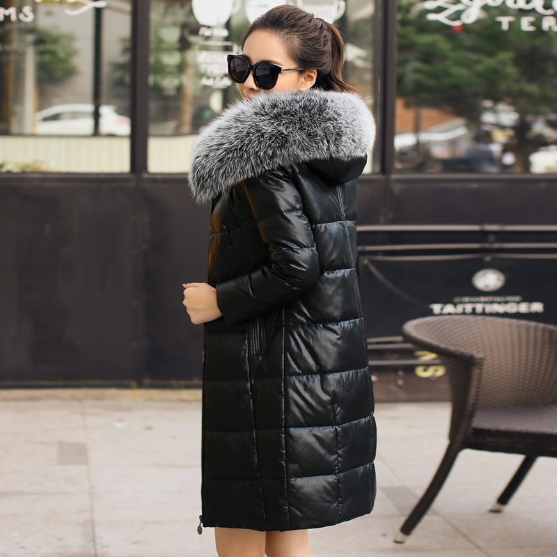 Color classification: Black 8855 oversized fox fur collar