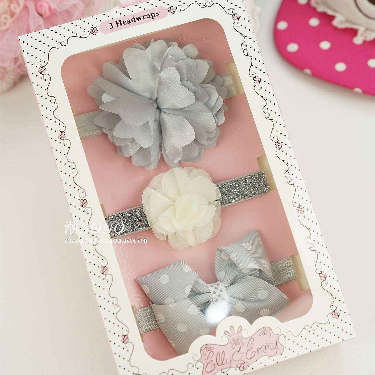 Color classification: Silver grey flower bows-dots gift box