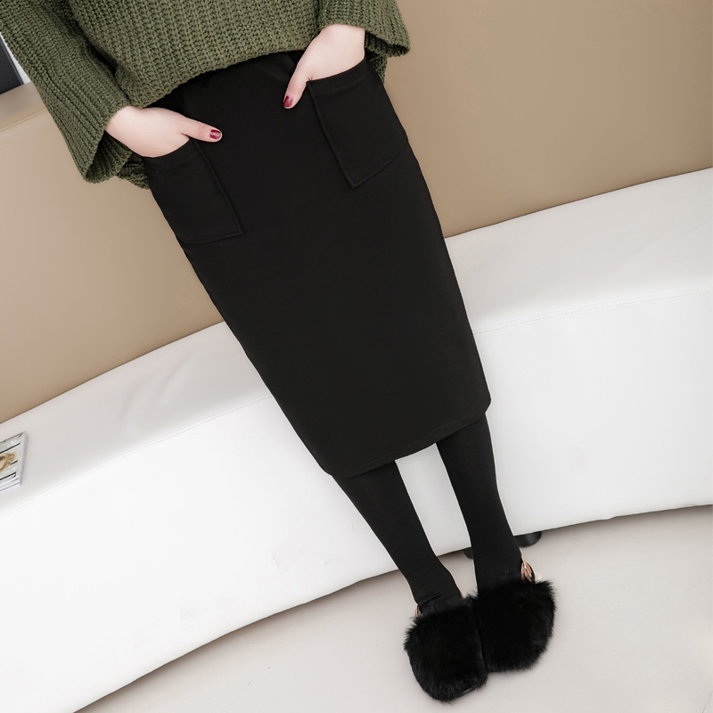 Color classification: Black woolen thickening with pockets