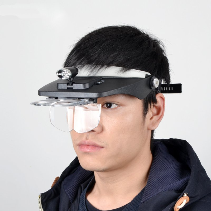 5 times the head wearing a magnifier with a 10LED lamp, the old man read the jewel LED magnifying glass