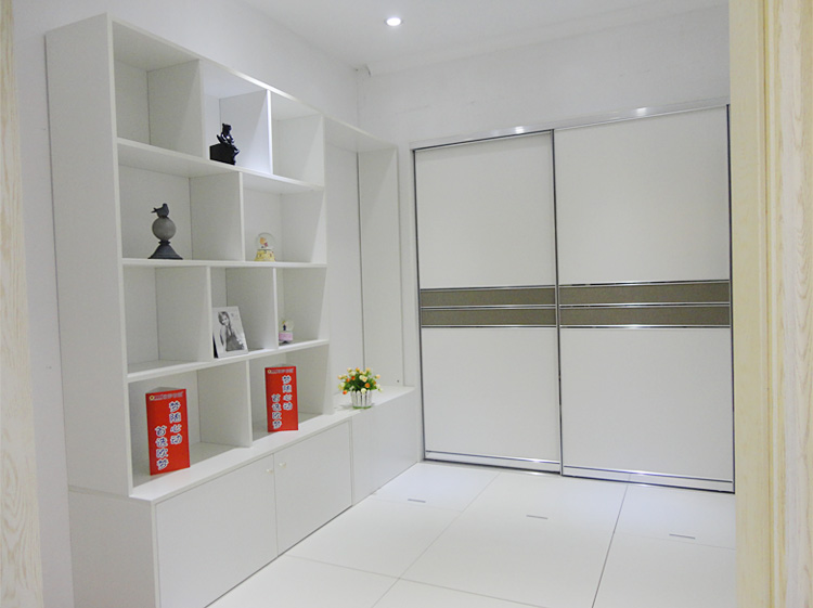 The European dream wardrobe simple fashion modern Chinese wood furniture factory Wuhan tatami bed custom shop outlets