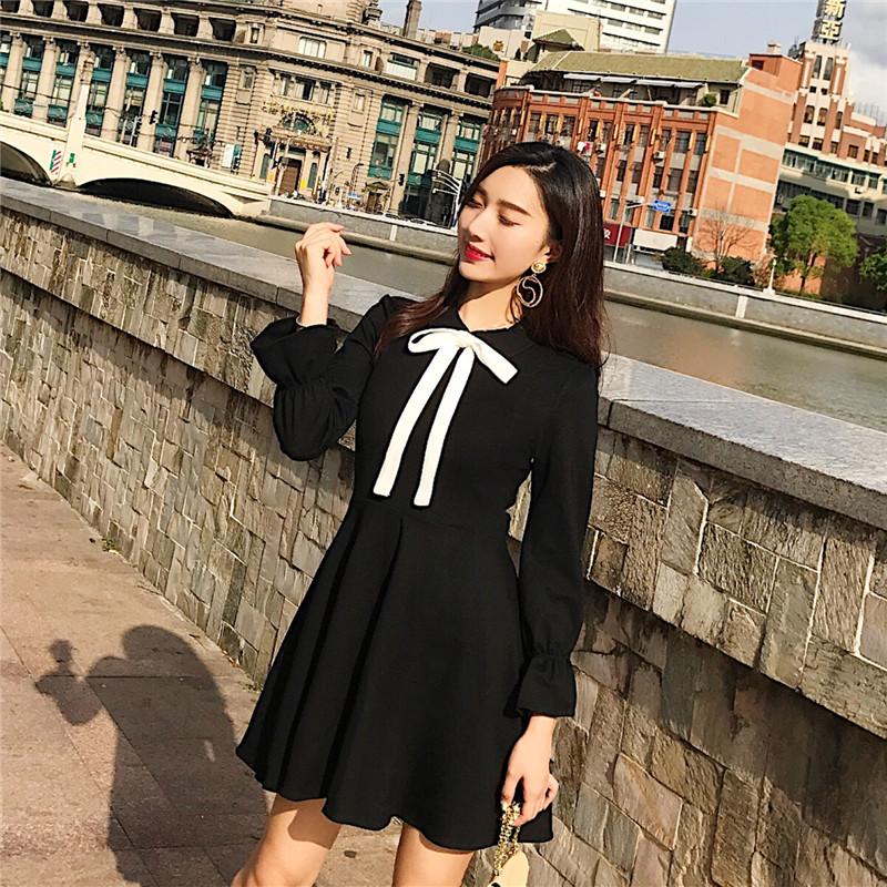 貓膩家:秋季蝴蝶結娃娃領高腰小黑裙連衣裙長袖修身復古赫本風女