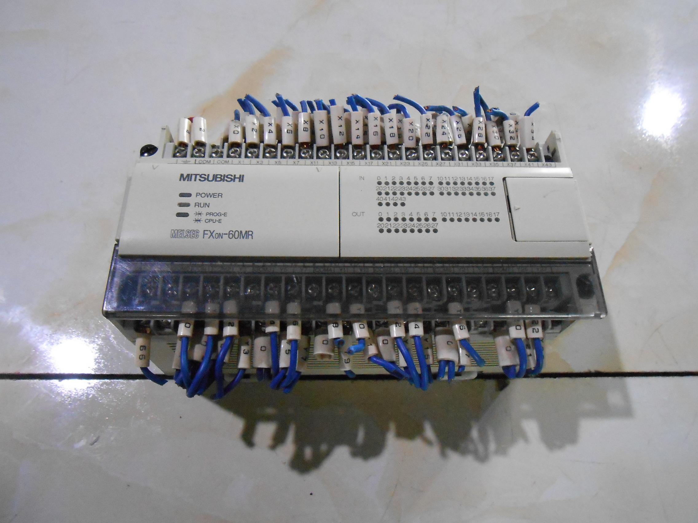 中古GEMAXのPLC三菱PLCFX0N-60MR-001実物図引合代購