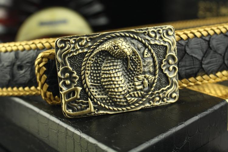 十二支の虎バックルベルトの若い男は真皮平滑韓版百搭手作り金色編みニシキヘビベルト
