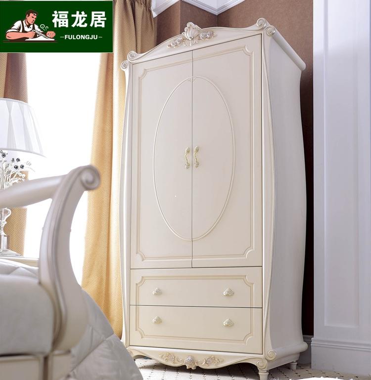 Des deux portes d'armoire de style européen en bois blanc gravé du contre la porte de l'armoire armoire armoire la villa de luxe
