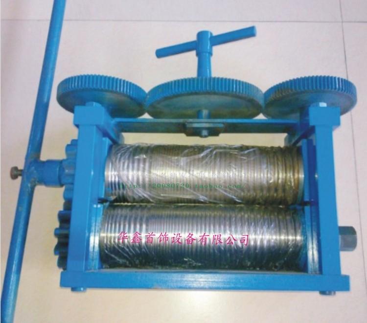 มือใหญ่แตะ = = = = = = = = = = = = เครื่องกดเครื่องกดเครื่องชุบทอง = = = = = = = = = = = = เครื่องมืออุปกรณ์การประมวลผลของเครื่องประดับทอง