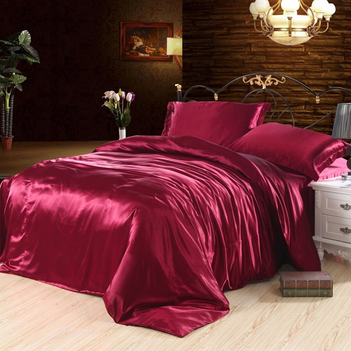 Shipping solid silk four piece silk wedding bedding Tencel quilt red silk sheets