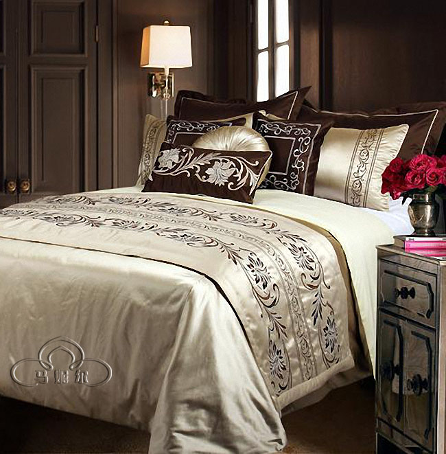 European new Chinese style bedding, multi piece sets of imitation silk, luxury 10 sets of model room, bed products, four sets of home