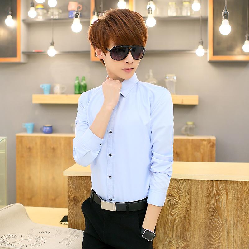 单件浅蓝长袖衬衫
