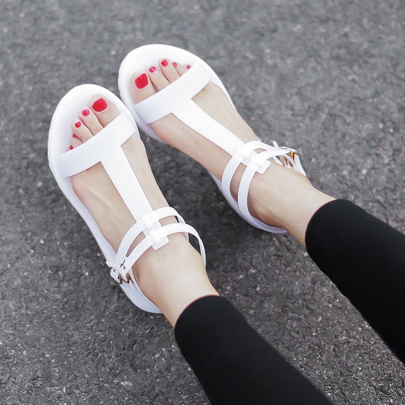 白色35小p良品鋪  回到小時候 簡約舒適夏日t字果凍鞋平底羅馬露趾涼鞋