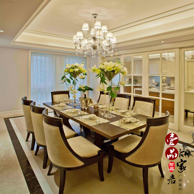 Après la nouvelle chinois de tables et de chaises en bois massif table chaise chambre moderne modèle de tissu de la villa de bureaux de vente de meubles personnalisés