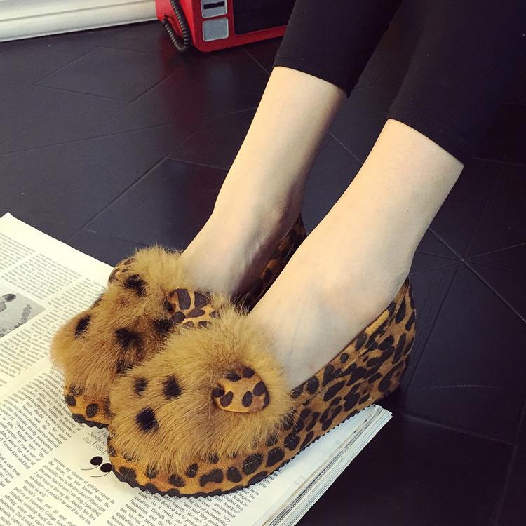 韓版鼕款豹紋坡跟內增高懶人鞋女加絨兔毛豆豆鞋淺口 334小碼女鞋