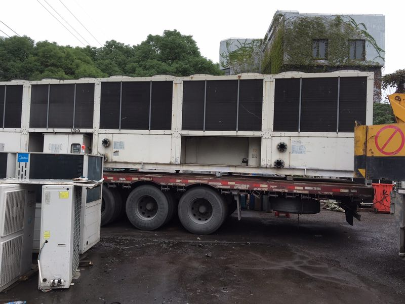 Used Daikin UWAP160BY air-cooled screw chiller, Daikin central air conditioning Daikin chiller