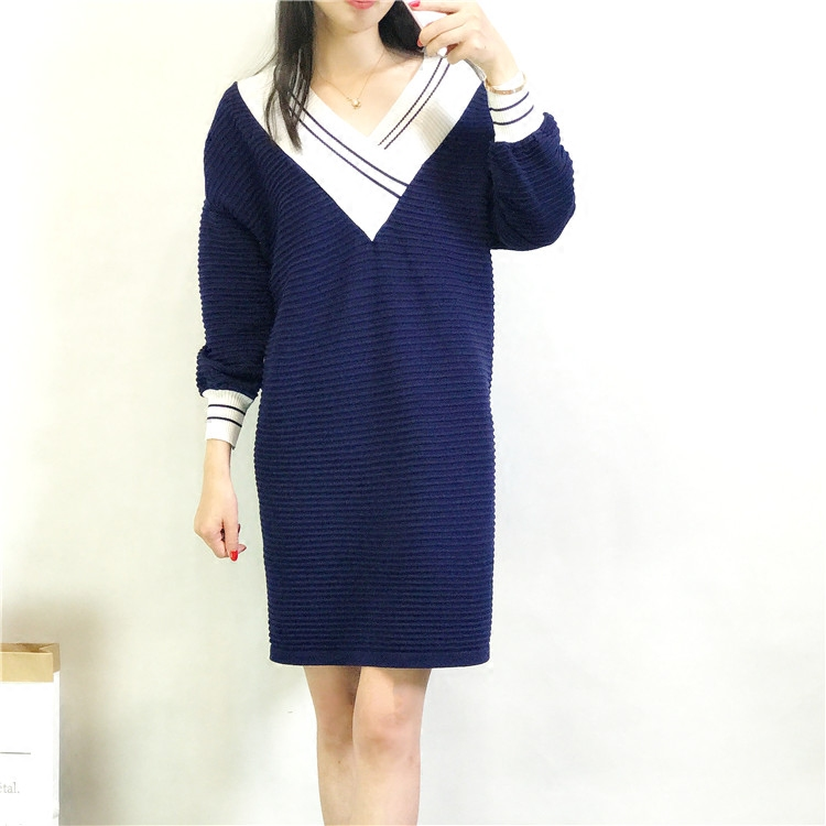 a nagy v - nyakú akadémia lányt otthon BIGKING kötött bő ruhában. a szél - 女中 hosszú)