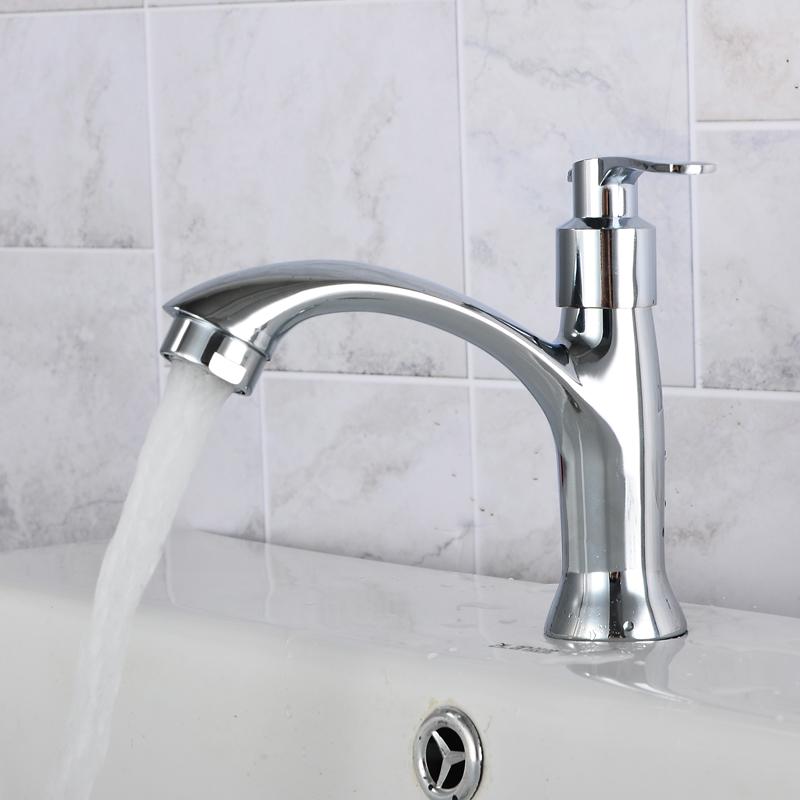- umyć copper basin operatorów ceramiczne garnki, jeden otwór pojedynczy zimna woda w basenie twarz pranie z porcelany, zawór.