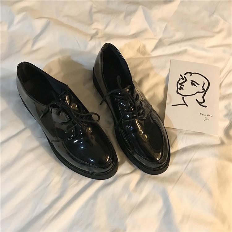 韩国复古百搭浅口PU皮女鞋黑色漆皮单鞋休闲学生舒适系带小皮鞋