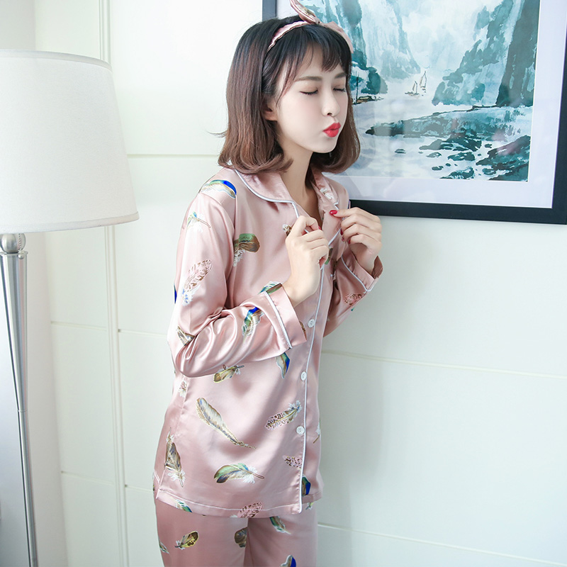 Silk pajamas female autumn wear long sleeved cardigan sexy lady silk clothing Home Furnishing four sets.