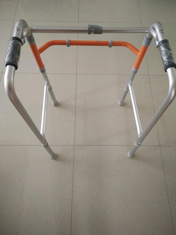 - 710a walker - äldre, funktionshindrade och går på alla fyra gånghjälpmedel biträdande ram för fällbara lyft paketet -