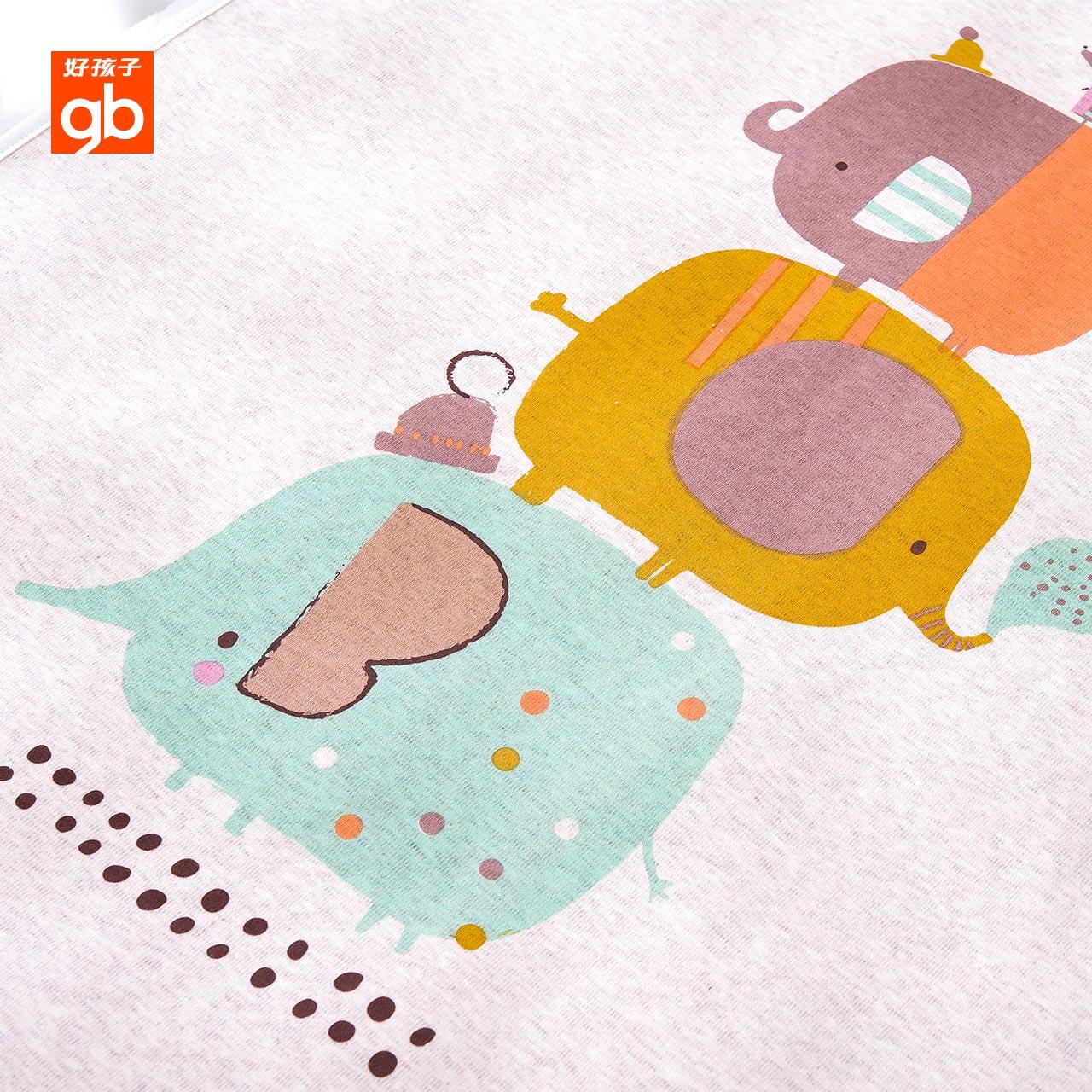 子供は新型赤ちゃんがおしっこに小便をしてから、赤ちゃんの小便をして、赤ちゃんの小便をします。
