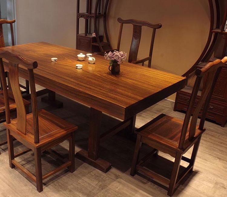 La plaque en bois massif table en acajou, comptant de table table de bureau de l'ordinateur de bureau de table à thé de grumes simple de mobilier de bureau