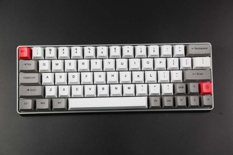 am modificat și tastatura cu lumina GK64 sublimare e hot - swappable cherry axa tastatura