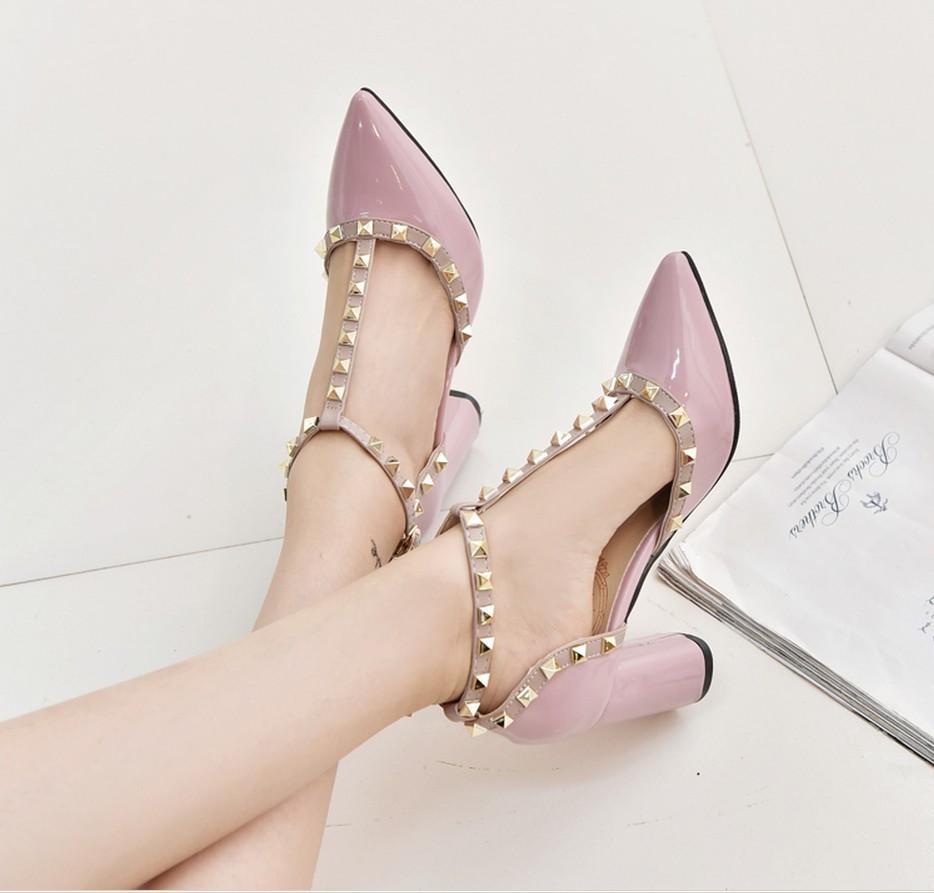 16春新款T型帶丁字鉚釘一字扣帶鏤空尖頭漆皮高跟粗跟淺口單鞋女