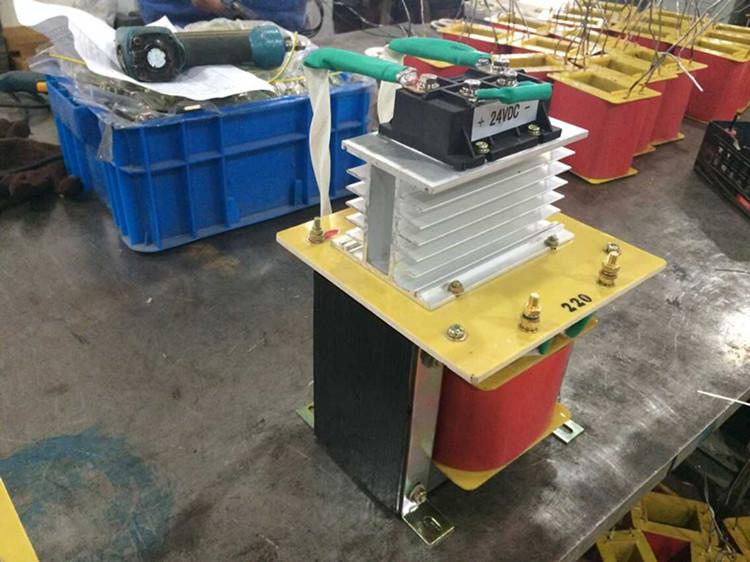 2000VA капацитет на производителите, преките продажби на променливия ток в постоянен ток по - самостоятелен трансформатор 220v 24v отстраняване на трансформатор