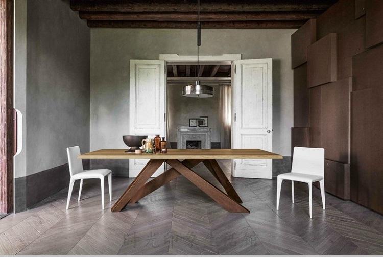 Table de bureau en bois massif table table table de la personnalité de conception réduit le patron de formation de concepteurs de la Conférence