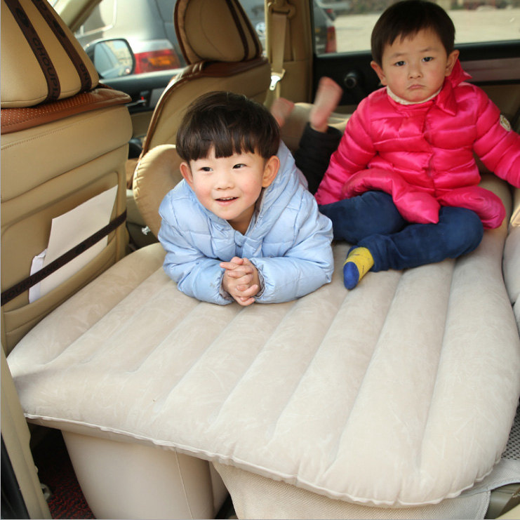 The classic version of the hatchback Geely imperial GM vehicle folding inflatable car travel bed Che Zhenchuang
