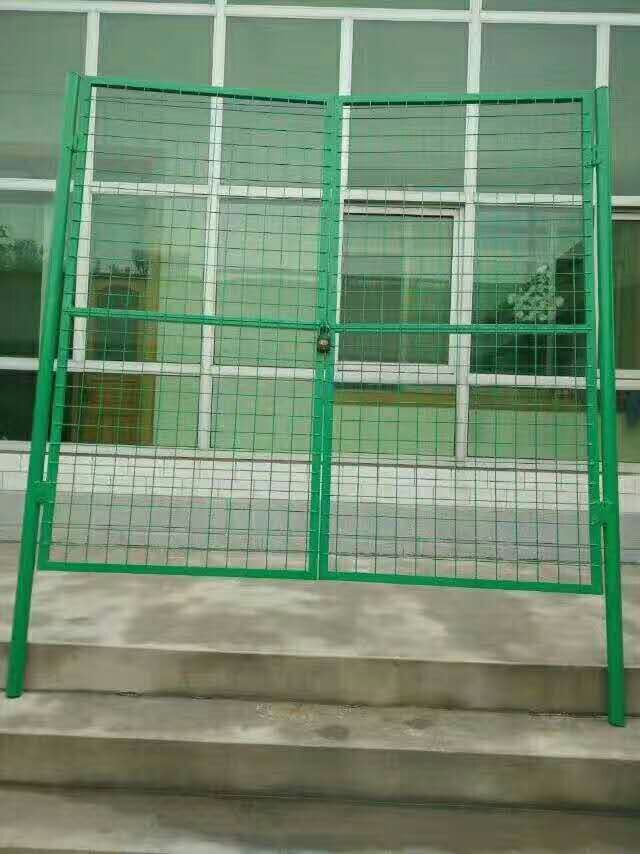 Simple wire mesh door Holland fence net fruit garden guardrail door family breeding net chicken net protection net door