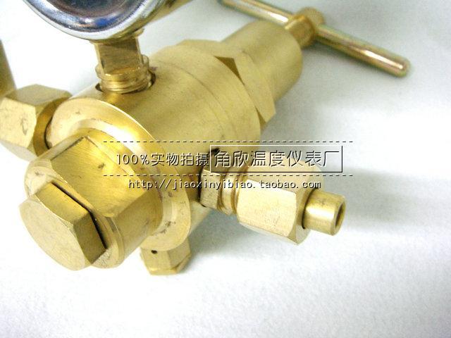 YQD-370 النيتروجين ارتفاع ضغط صمام تنظيم الضغط قياس الضغط، وحقيبة البريد الوطنية 6 * 25MPA شنغهاي