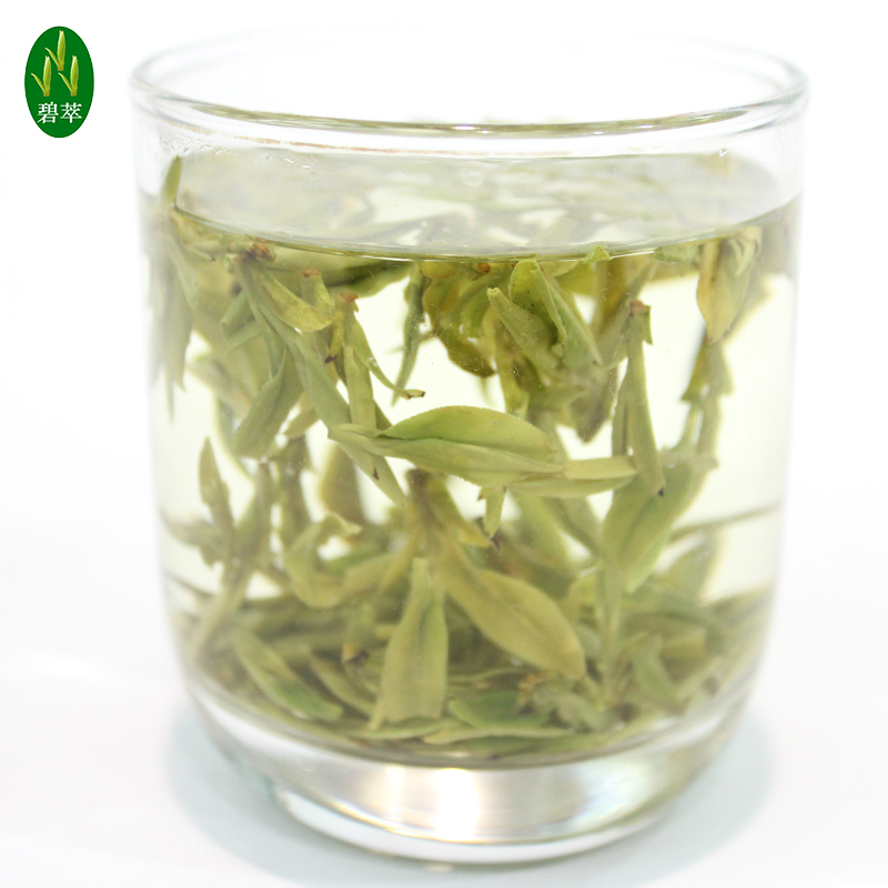 2017 new tea tea farmers in Longjing Mei Wu Mingqian super direct West Lake Longjing Tea lotus jar 250g gift box