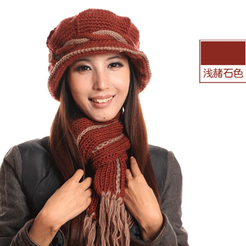 Touch the core autumn and winter middle-aged and elderly female wool line hat knowledge mother hat warm Scarlett two pieces of set