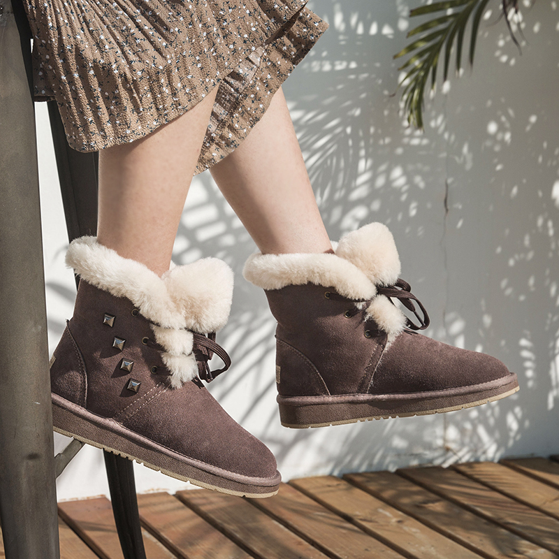 O dia especial de novo de lã Quente botas de neve botas de couro de Peles Mulheres sapatos antiderrapante impermeável baixo.