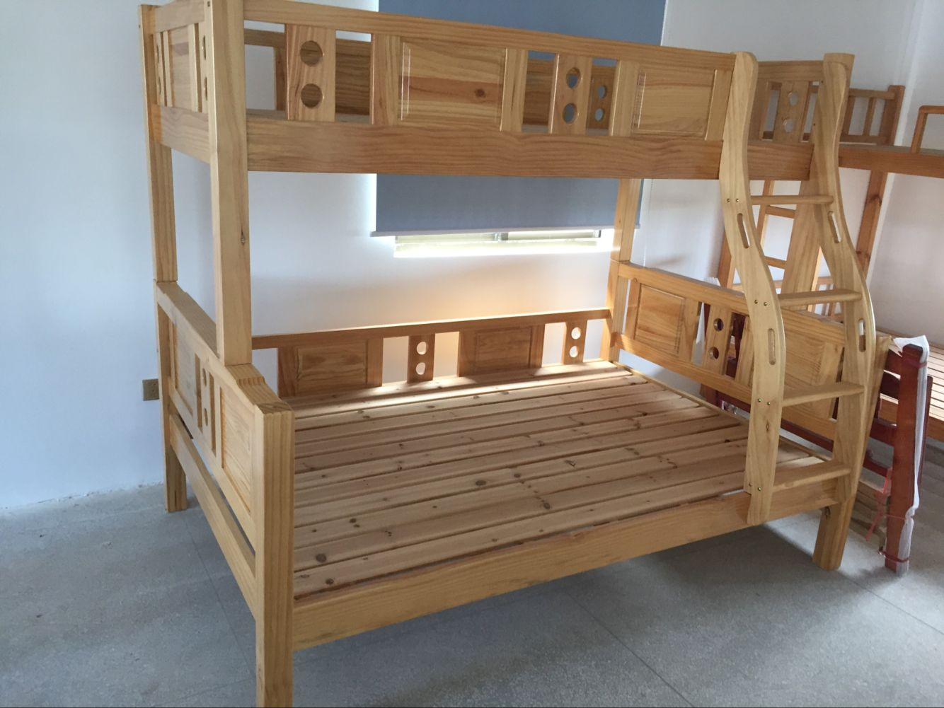 New Zealand pine tree bed, 1.2 meters below 1.5M high and low bed, upper berth, lower berth, solid wood, Suzhou City packing