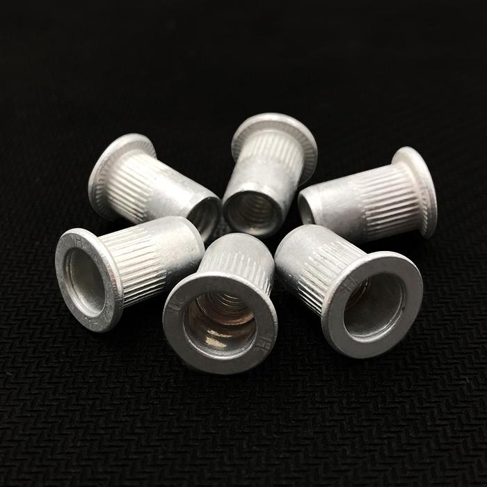 Nueces de remaches de aluminio aluminio PAC pan de rayas verticales en la columna de grano nueces Moleteado, tuercas, madre de M4M5M6