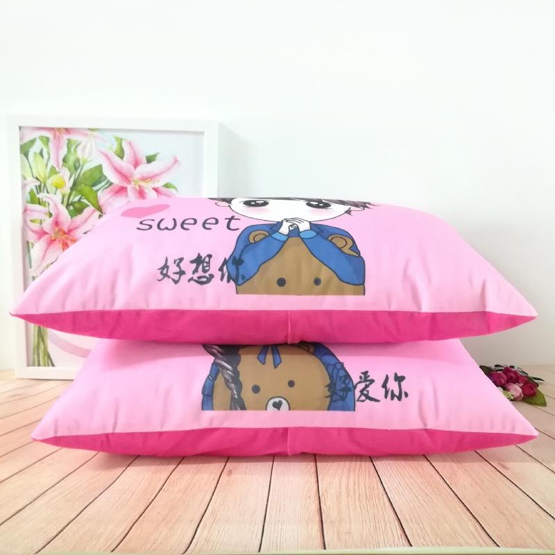 清新カップルシングル枕コーナーで漫画にロマンチックな男女友達寝室毛がベッドの上に抱き枕靠垫