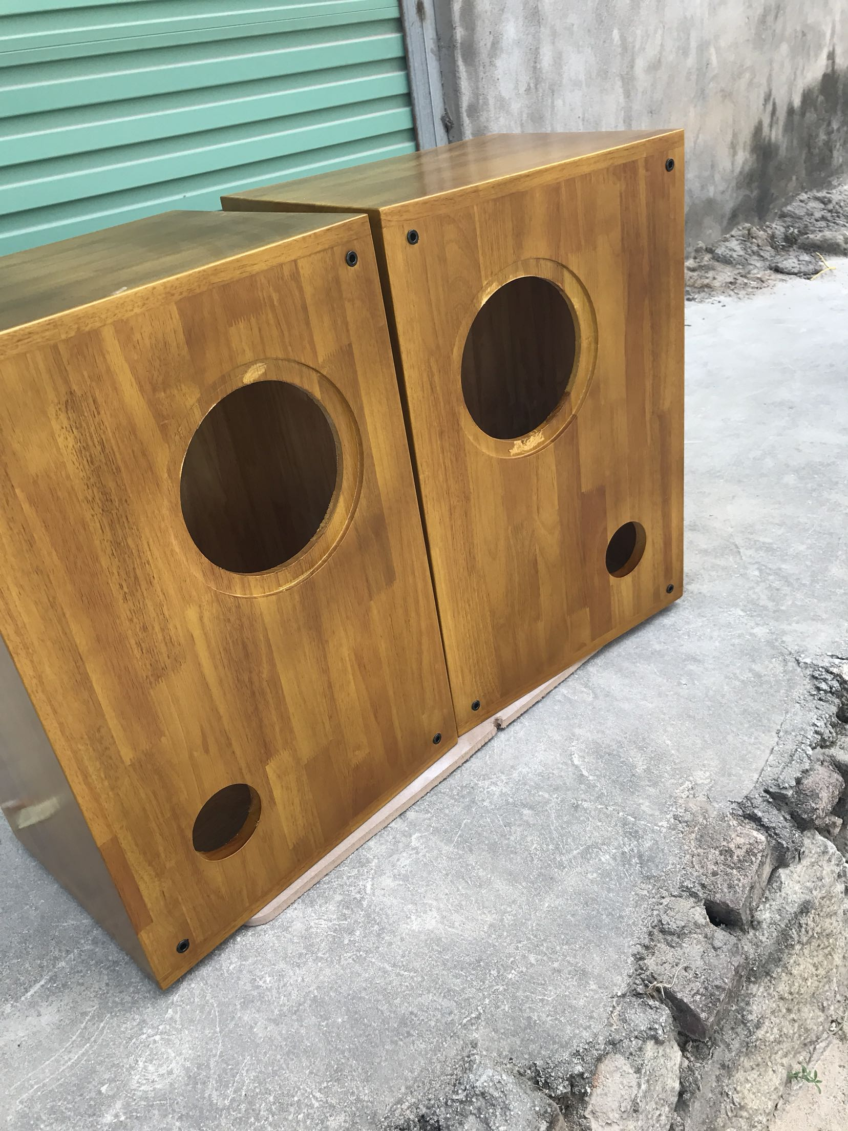 Custom morning glory 8 inch HIFI MG-F8 full frequency loudspeaker unit supporting large wooden Bookshelf Speakers empty