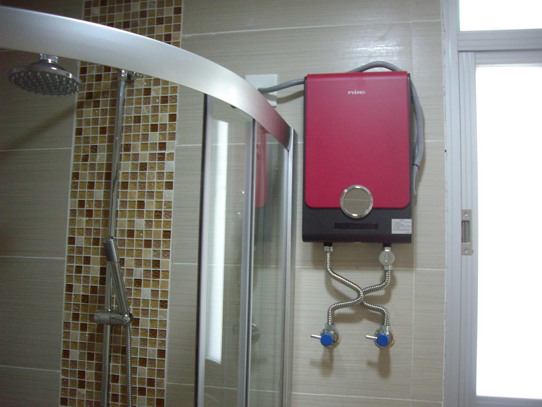 ขายเครื่องทำน้ำอุ่น PIANO 皮阿诺แชมป์คือร้อนอุณหภูมิคงที่ไม่ปรับแยกความถี่ไฟฟ้าที่ปลอดภัย