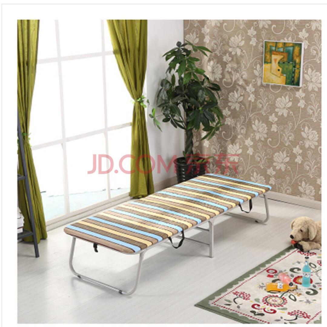 üks voodi, voodi, voodi külge väljas kõva voodi kabinetis on lihtne kaasas, puuvilla, mille voodi, voodi.