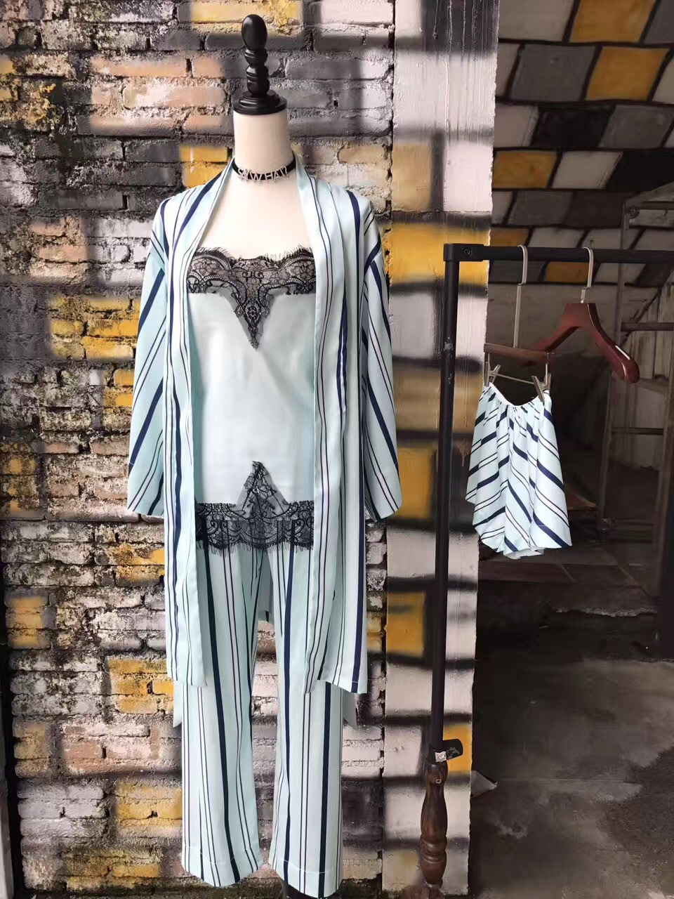 Four pieces of striped silk and charming lady wear pyjamas free collocation Home Furnishing code