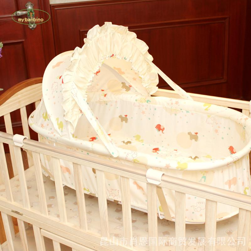 いい子は新生児の揺りかごとして、赤ちゃんのベッドの揺りかごとして