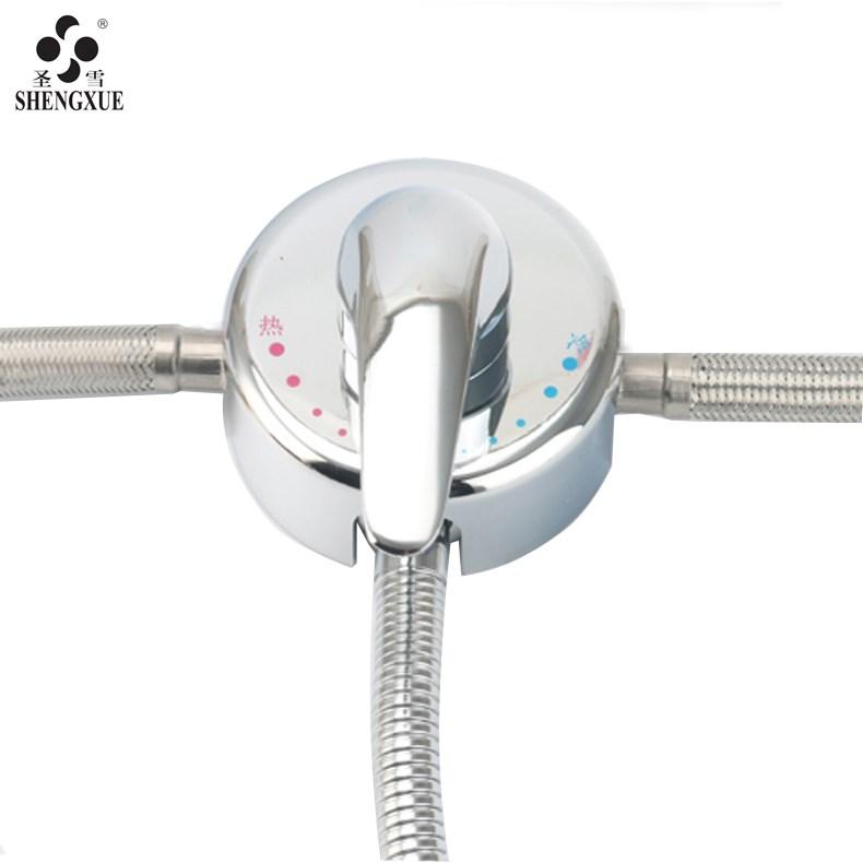 Ming di Freddo o caldo il passaggio di una doccia di Rame (Valvola a Tre valvole valvole di miscelazione dell'Acqua Due in un separatore