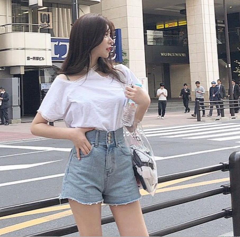 韩国 INS人气款  大长腿高腰须须边显瘦牛仔短裤