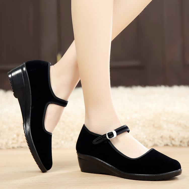 正品老北京布鞋女鞋黑色坡跟工作鞋广场舞蹈鞋软底防滑职业酒店鞋