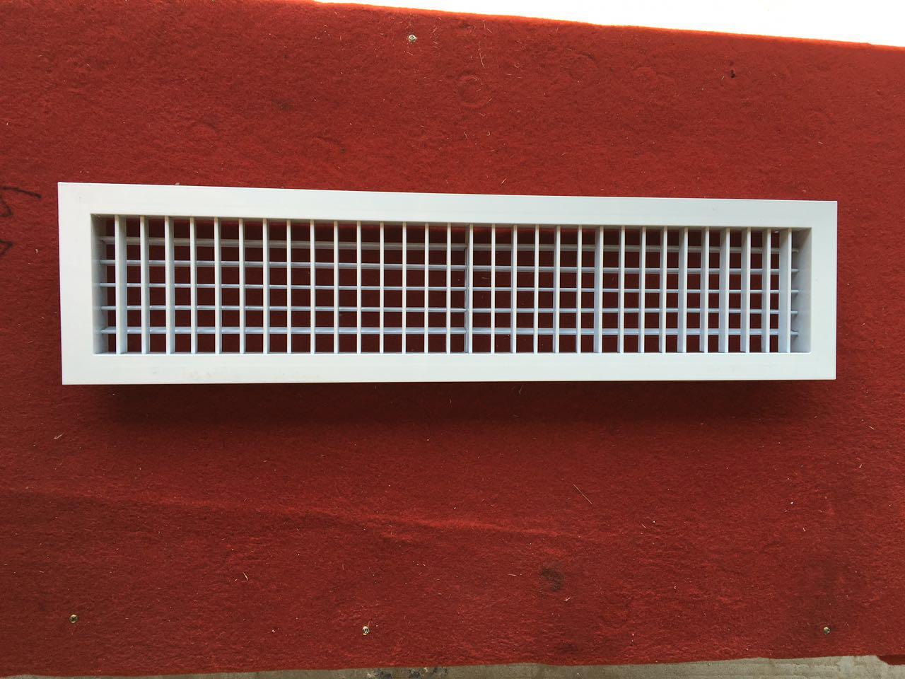 De chauffage et de refroidissement d'eau à usage domestique 2 chevaux 5 chevaux de climatisation à refroidissement par eau dissimulé l'entrée et la sortie de la bobine
