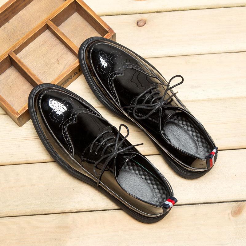 冬季布洛克雕花男鞋复古英伦圆头系带漆皮潮鞋加绒男士休闲皮鞋男