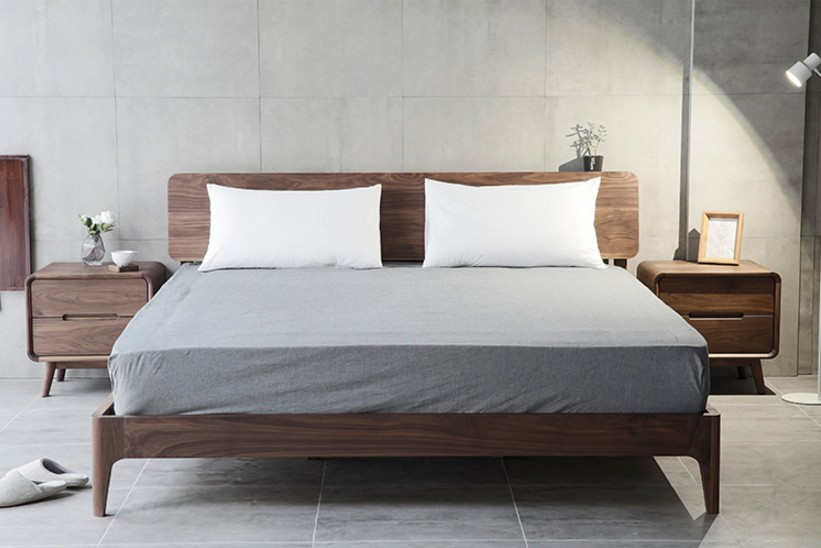 North American black walnut solid bedroom furniture, Japanese minimalist modern 1.8 meters double bed, Nordic single bed direct sales